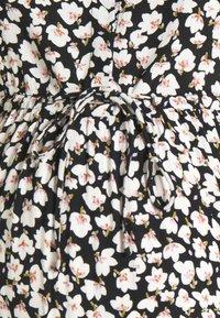 Pieces Maternity - PCMIDA MIDI DRESS - Košilové šaty - black/white/purple - 5