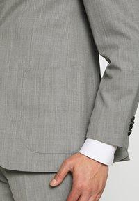 Michael Kors - SLIM FIT SUIT - Suit - grey - 7