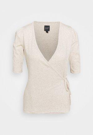 WRAP - T-shirts - oatmeal heather
