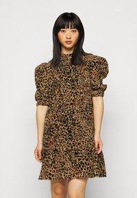 Object Petite - OBJELIZA SHORT DRESS - Day dress - honey ginger - 0
