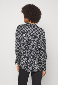 Marc O'Polo - BLOUSE COLLAR LONG SLEEVED PRINTED - Button-down blouse - multi/black - 2