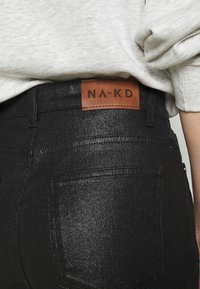 NA-KD - HIGH WAIST - Straight leg jeans - black - 5