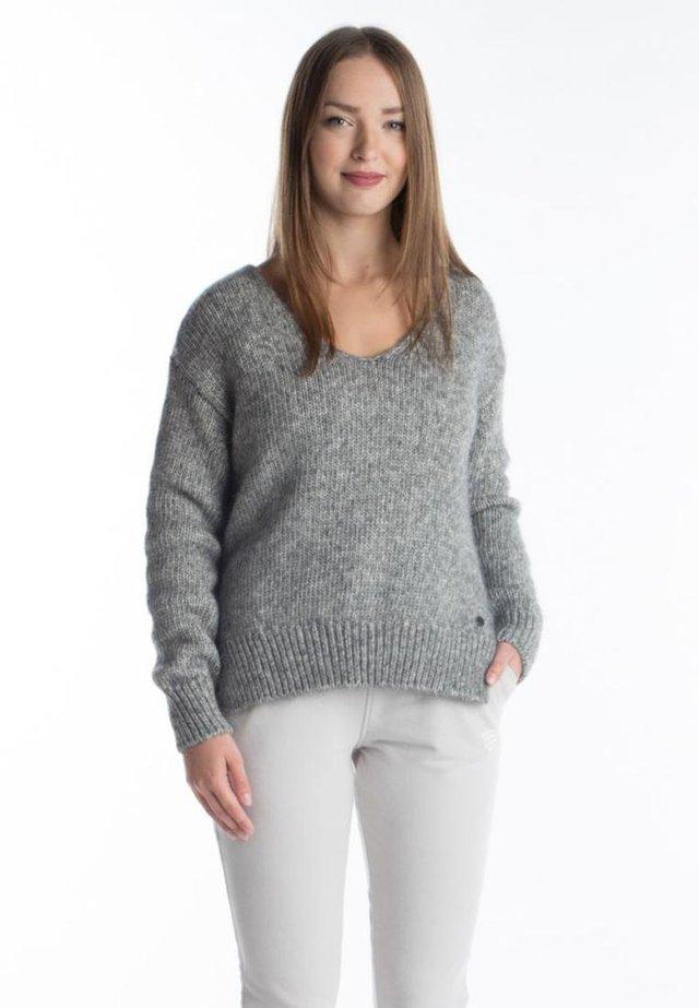 Jumper - mid grey