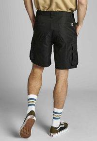 Anerkjendt - AKLT JAN TWILL - Shorts - caviar - 2