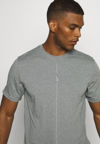 Nike Performance - DRY TEE YOGA - Basic T-shirt - iron grey/smoke grey - 4