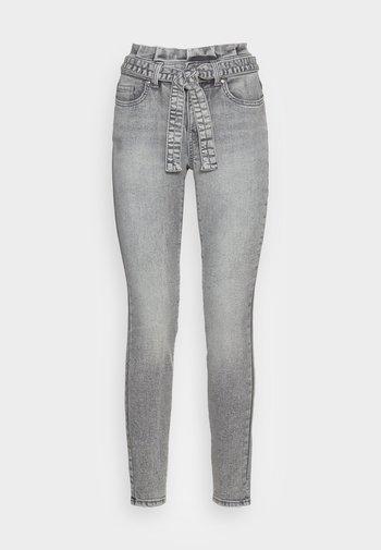 ONLHUSH LIFE PAPERBAG - Jeans Skinny Fit - grey denim