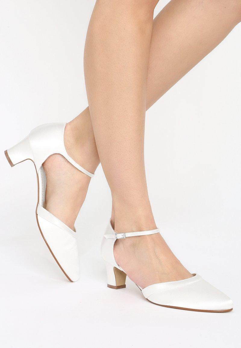 Elsa Coloured Shoes - ANIKA - Bridal shoes - ivory