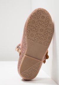 Friboo - Ballerina's met enkelbandjes - rose gold - 4
