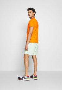 Polo Ralph Lauren - CUSTOM SLIM FIT CREWNECK - Basic T-shirt - bright signal ora - 2