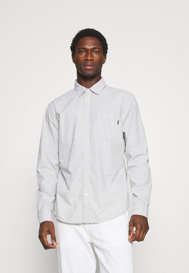 ALPHA ICON SLIM - Shirt - cooper mulled basil