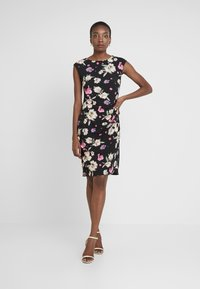 Wallis Tall - SUMMER PETALRUCH SIDE DRESS - Cocktail dress / Party dress - black - 2