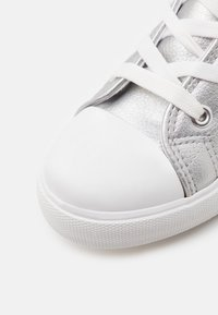 Cotton On - CLASSIC LACE UP - Vysoké tenisky - silver metallic - 5