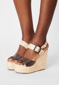Laura Biagiotti - Platform sandals - beige - 0