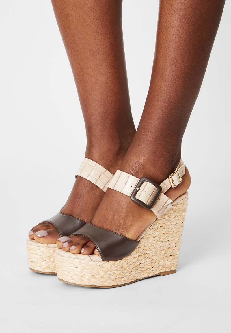 Laura Biagiotti - Platform sandals - beige