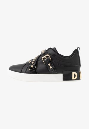 STUDZ BANDS  - Trainers - black