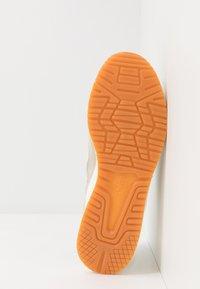 ASICS SportStyle - GEL-LYTE III - Sneakers - ivory/wood crepe - 4