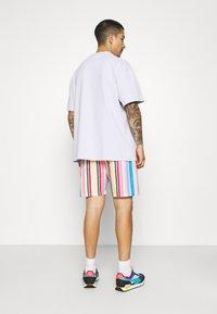 Vintage Supply - RETRO STRIPE - Shorts - multi - 3