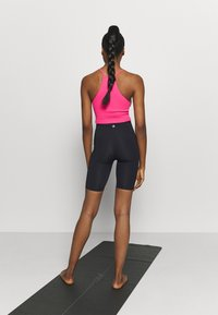 Cotton On Body - HIGHWAISTED MID LENGTH BIKE SHORT - Medias - core black - 2