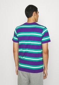 STAPLE PIGEON - STRIPED POCKET TEE UNISEX - Print T-shirt - teal - 2