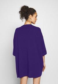 Weekday - HUGE - Basic T-shirt - dark purple - 2