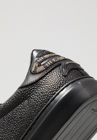 Roberto Cavalli - Baskets basses - black - 5
