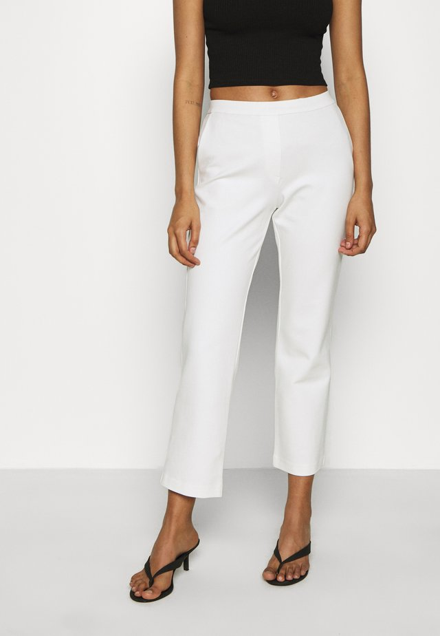 TANNY CROPPED PANTS - Pantalones - offwhite