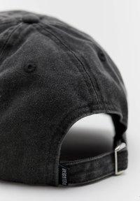 PULL&BEAR - BASIC - Cap - black - 2