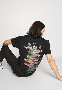 Criminal Damage - DNA TEE - T-shirt imprimé - black - 3