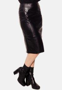 LEATHER HYPE - AMARI  - Pencil skirt - black - 3