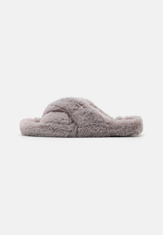 CAMEO - Slippers - light grey