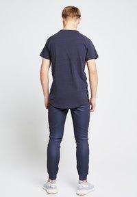 Illusive London Juniors - Print T-shirt - grey - 2