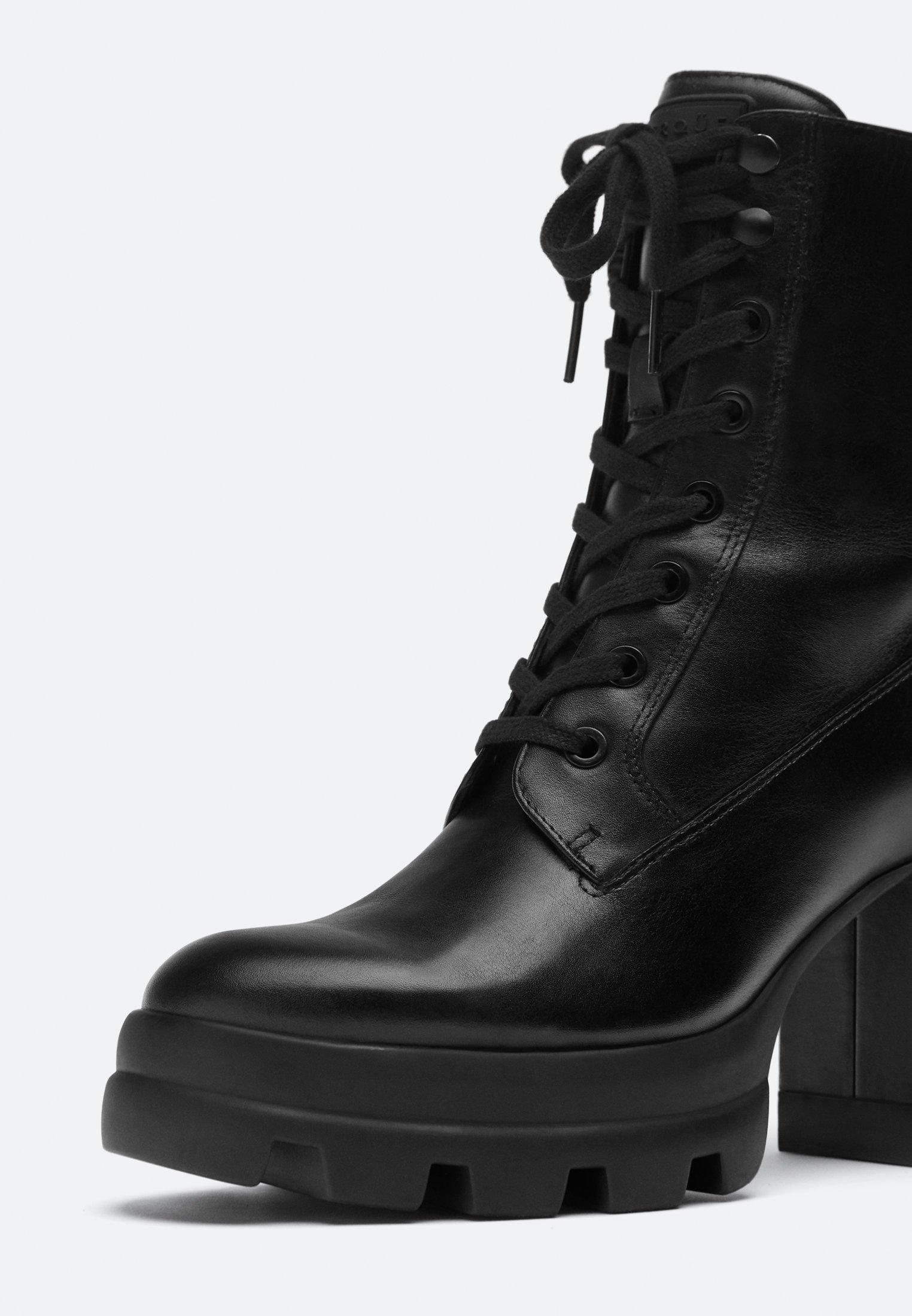 Uterqüe High Heel Stiefelette - Black/schwarz