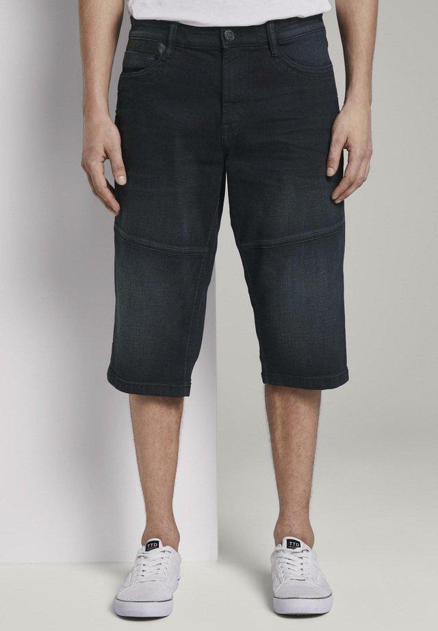 MORRIS OVERKNEE - Shorts di jeans - black stone wash denim