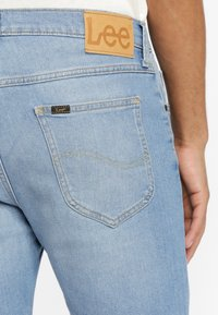 Lee - RIDER - Szorty jeansowe - light blue - 3