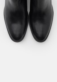 Tommy Hilfiger - BLOCK BRANDING MID BOOT - Classic ankle boots - black - 5