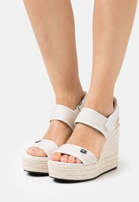Calvin Klein Jeans - SLING CO - High heeled sandals - white/sand - 0