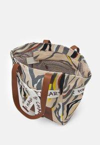 Codello - TIGER HIGH - Handbag - beige - 2