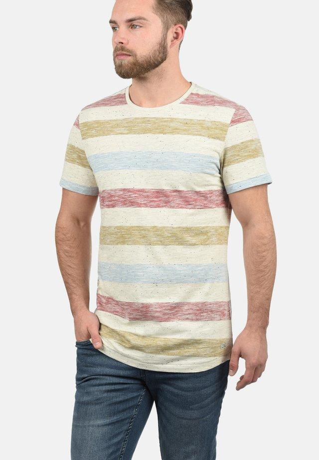 EFKIN - Print T-shirt - rust red