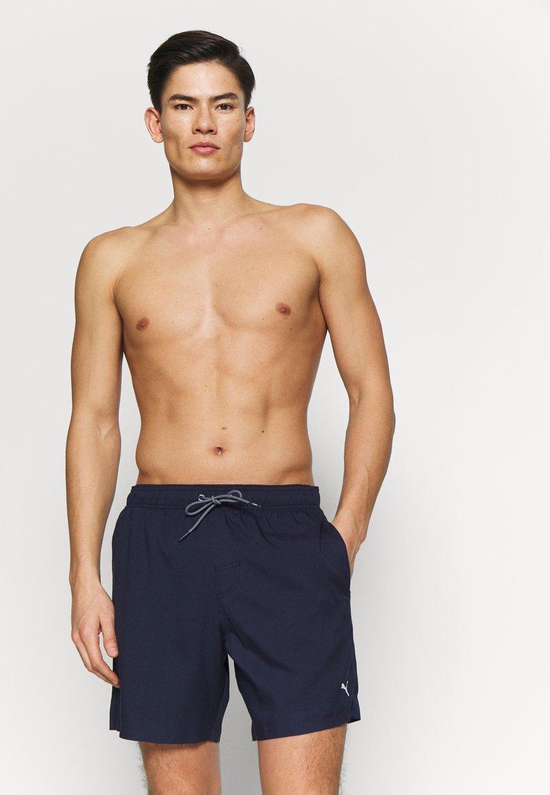 Puma - SWIM MEN MEDIUM LENGTH - Swimming shorts - navy