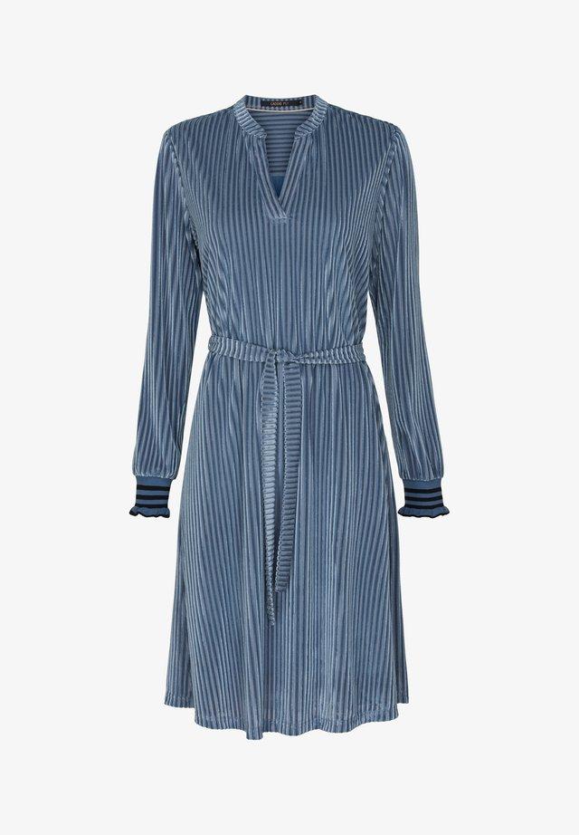 SAGE - Korte jurk - pastel blue