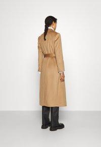 MAX&Co. - LONGRUN - Klasický kabát - camel - 2