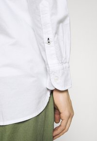 Tommy Hilfiger - CLASSIC OXFORD - Formal shirt - white - 5