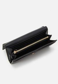 Emporio Armani - MYEA FOGLIO CONTINENTAL - Wallet - black - 2