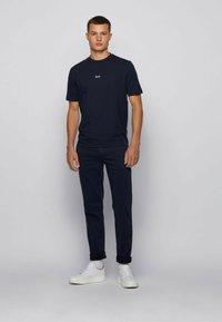 BOSS - TCHUP - T-Shirt basic - dark blue - 1