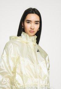 Nike Sportswear - SUMMERIZED - Summer jacket - coconut milk/black - 4