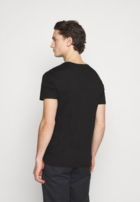 Jack & Jones PREMIUM - JPRBLACLEAN TEE CREW NECK - Print T-shirt - black - 2