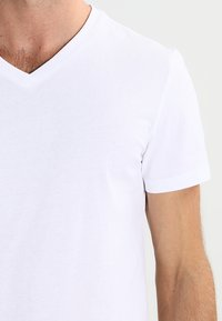Pier One - 2 PACK - Basic T-shirt - white