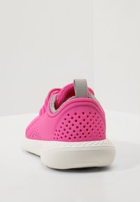 Crocs - LITERIDE PACER - Trainers - electric pink/white - 3