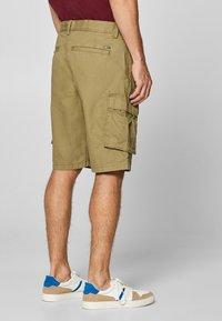 Esprit - Shorts - olive - 2