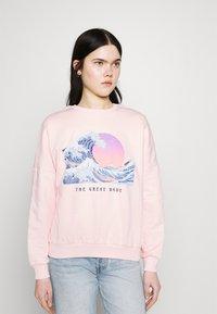 Even&Odd - Wave Printed Oversized Sweatshirt - Bluza - pink - 0